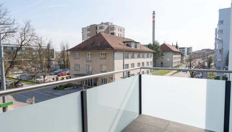 T 494 balkon