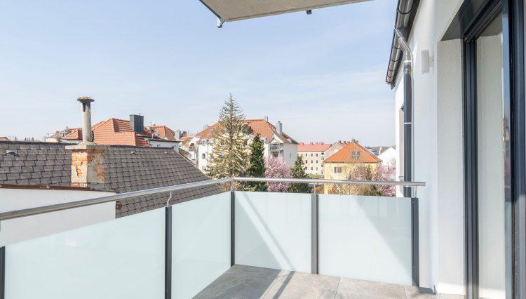T 496 balkon